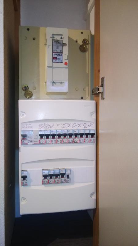 electricien bry sur marne tarif 40 uros taux horaire main d 39 oeuvre remplacement et mise en. Black Bedroom Furniture Sets. Home Design Ideas